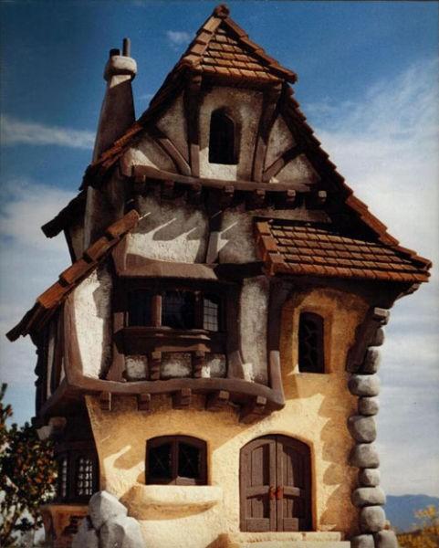Домики из сказок (46 фото)