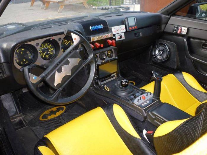 Бэтмобиль на базе Porsche (8 фото)