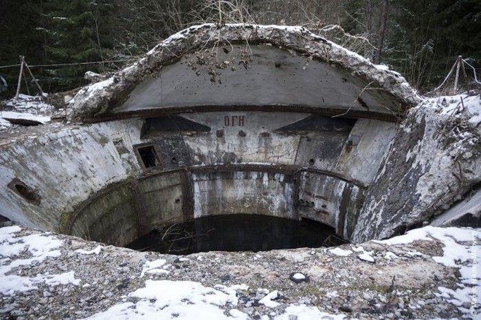 Жуткие и загадочные заброшенные объекты СССР (13 фото)
