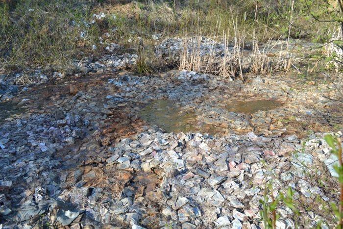 Миллиард советских рублей в заброшенной шахте (11 фото)