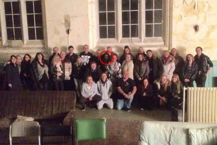 Призрак на фото в заброшенной больнице Ливерпуля (2 фото)