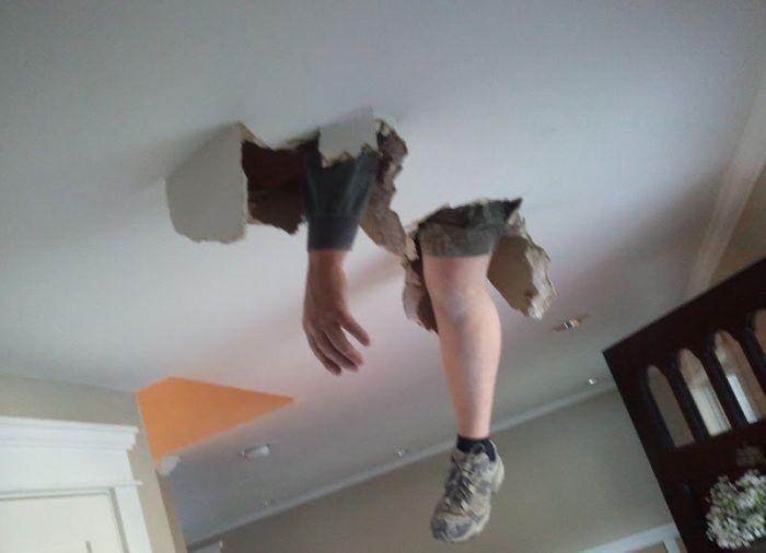 Когда соседи делают ремонт (19 фото)