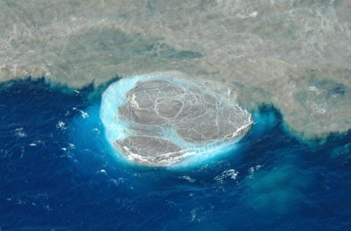 Подводное извержение вулкана на Канарский островах (10 фото)