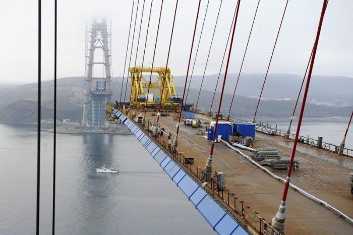 Мост на остров Русский (29 фото)
