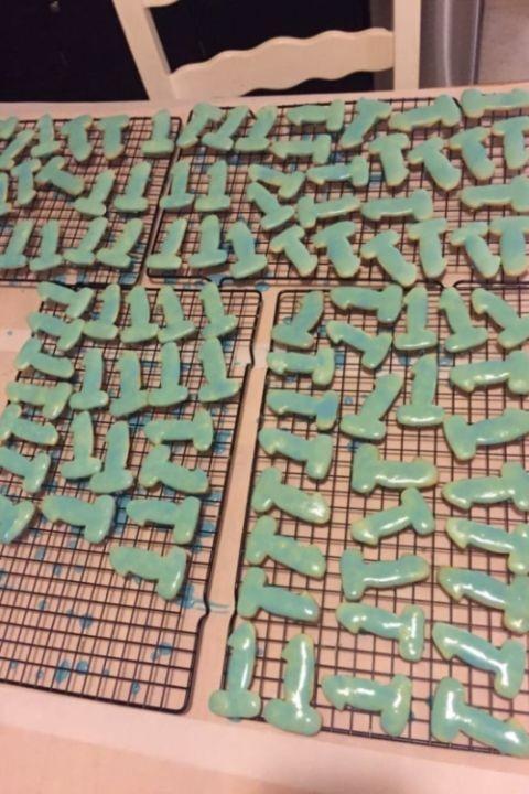 Праздничные печенья необычной формы (4 фото)