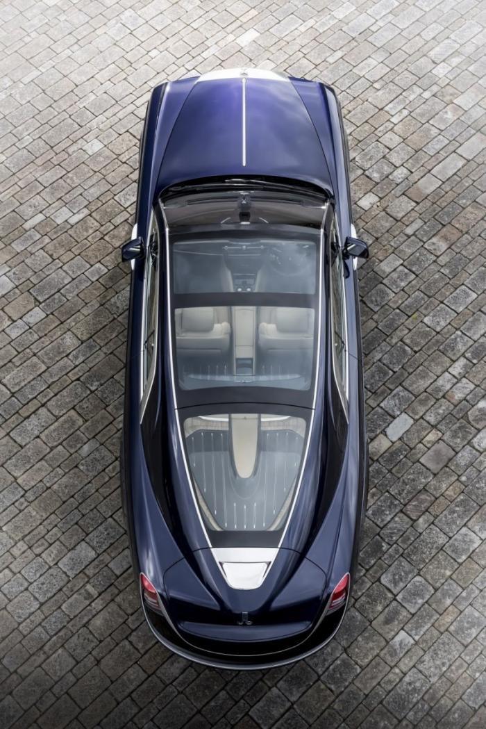 Rolls-Royce показал в Италии самый дорогой автомобиль в мире (21 фото)