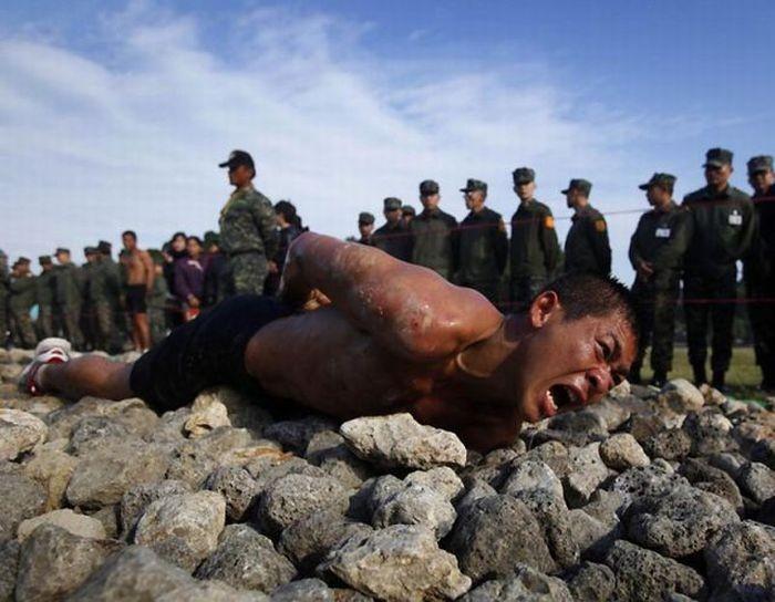 Армейский тест в Тайване (15 фото)