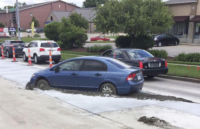Объезд пробки обошелся водителю в 10 000 долларов (3 фото)