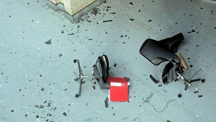 Бунт офисного работника (5 фото)