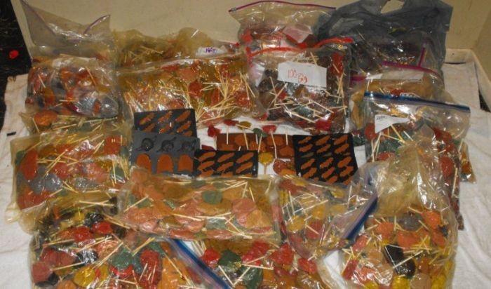 Полиция Хьюстона обнаружила 270 кг леденцов с метамфетамином (5 фото)