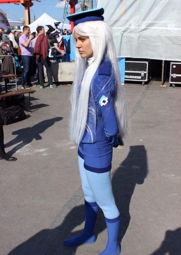 Девушка в образе Роскомнадзор-тян на «Большом фестивале» (7 фото)