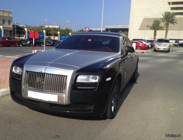 Автомобили на студенческой парковке в Дубае (19 фото)