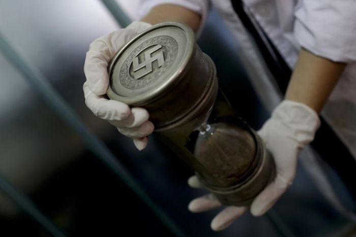 У коллекционера обнаружили нацистские артефакты (6 фото)