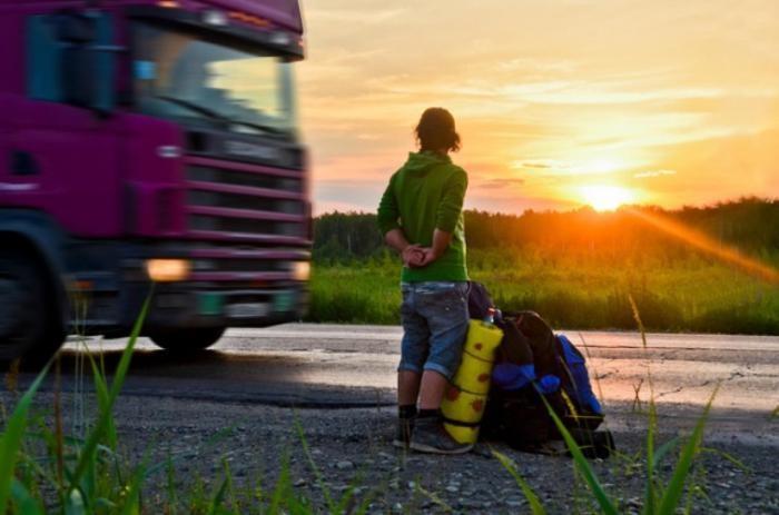 Как правильно путешествовать автостопом (10 фото)
