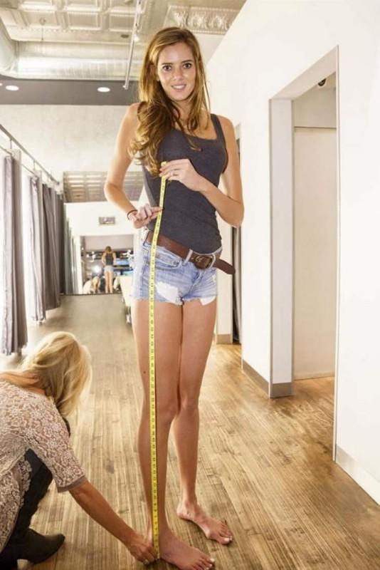 Самая длинноногая американка (11 фото)