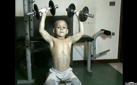Юный атлет Джулиано Строе (5 фото)
