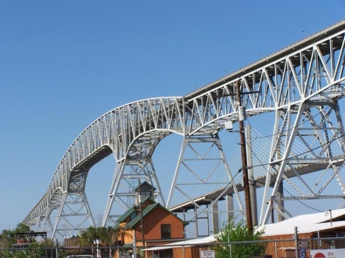 Крутой мост в Техасе (13 фото)