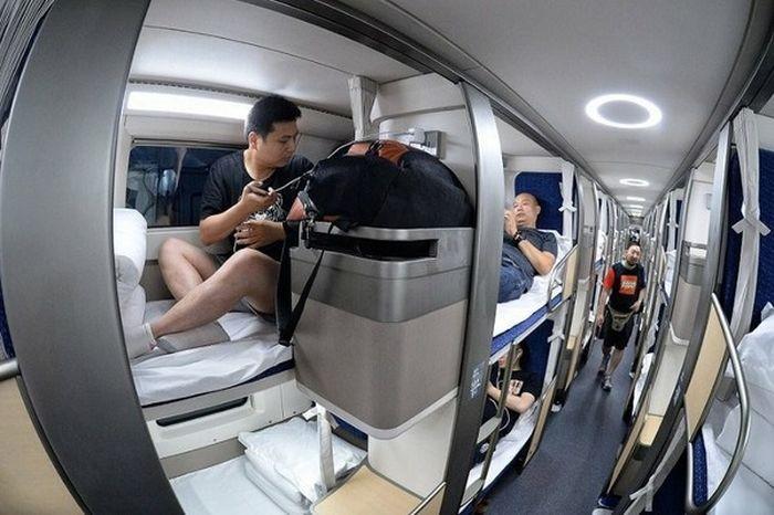 Китайский плацкартный вагон (4 фото)