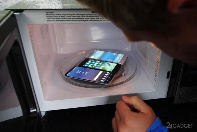 Смартфоны прошли испытания в микроволновой печи (2 фото + видео)