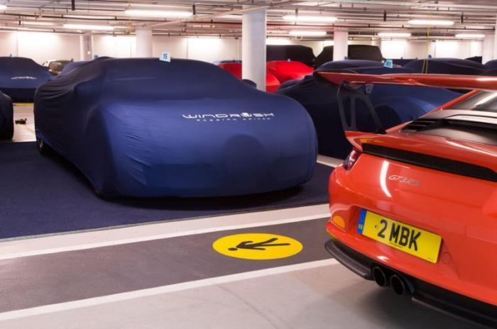 Парковка для эксклюзивных автомобилей в центре Лондона (17 фото + 1 видео)