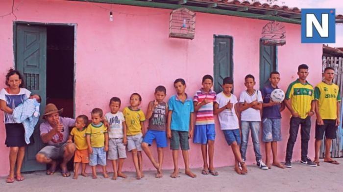 13 сыночков и ни одной дочки (9 фото)