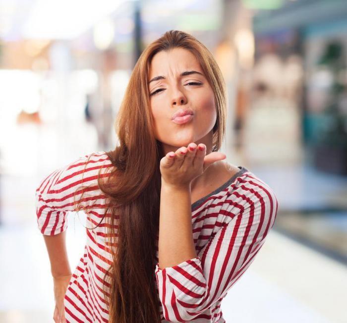 Любопытные и неожиданные факты о поцелуе (13 фото)