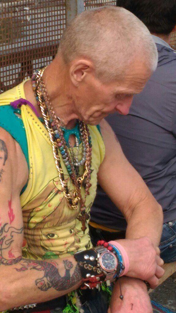 Стильный дед из Екатеринбурга (6 фото)