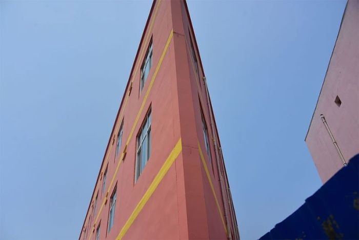 Плоский дом в Китае (3 фото)