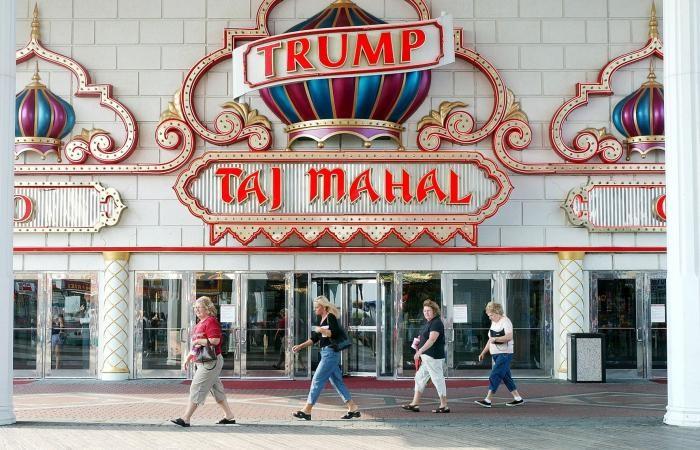 В Атлантик-Сити распродают имущество с казино Трампа (4 фото)