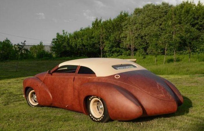 Самые дорогие автомобили отечественного автопрома (10 фото)