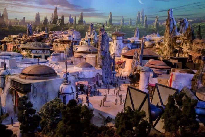 Парк развлечений «Star Wars Land» от компании Disney (6 фото)