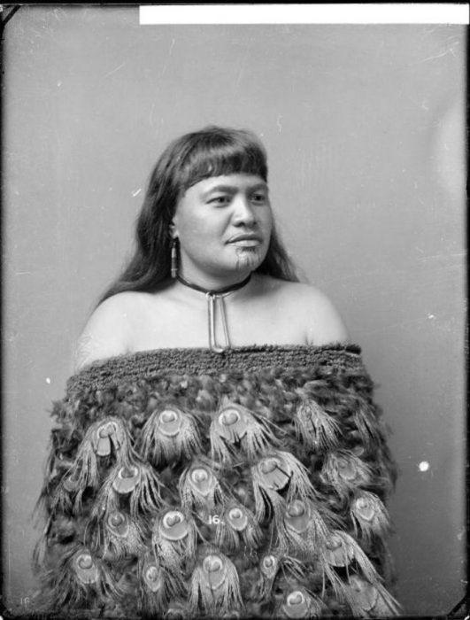 Татуировки на подбородках женщин народа маори (30 фото)