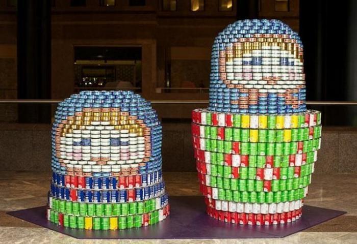 Скульптуры из консервных банок раздадут бедным (13 фото)