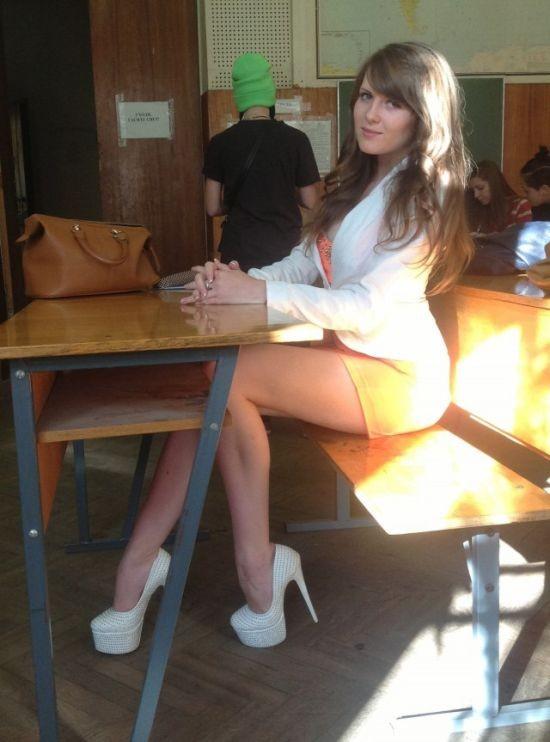 Очаровательные девушки из соцсетей (27 фото)