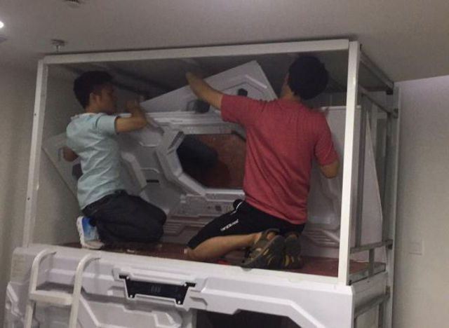 Капсульные мини-отели в Китае закрывают, потому в них можно сгореть заживо (5 фото)