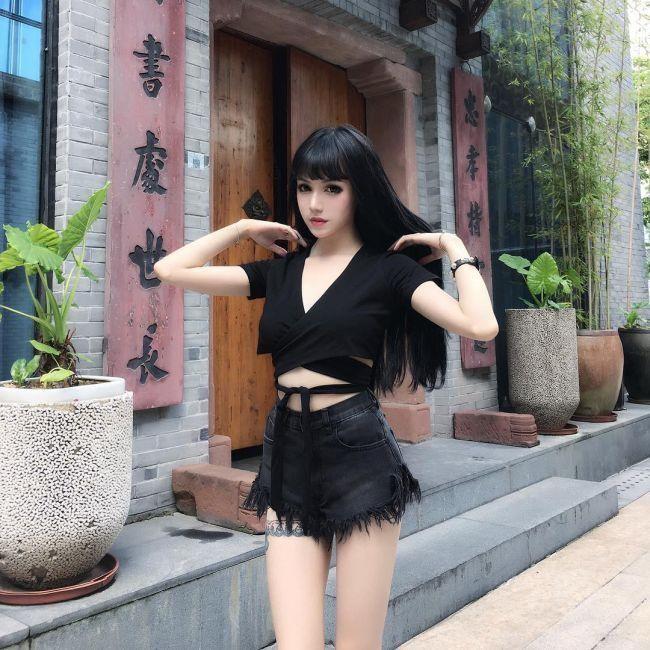 Кина Шен и ее кукольно-готический образ (19 фото)