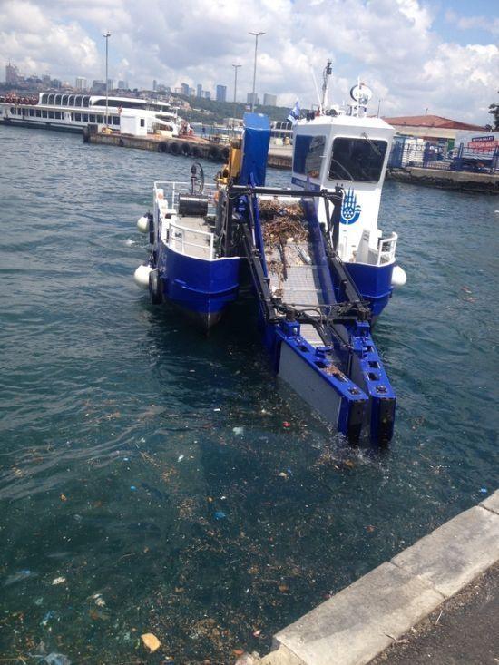Очистка побережья Босфора от мусора (5 фото)