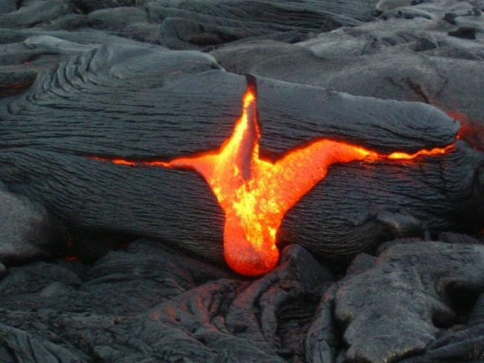 Потоки лавы (24 фото)