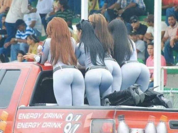 Спортивные девушки в леггинсах (28 фото)