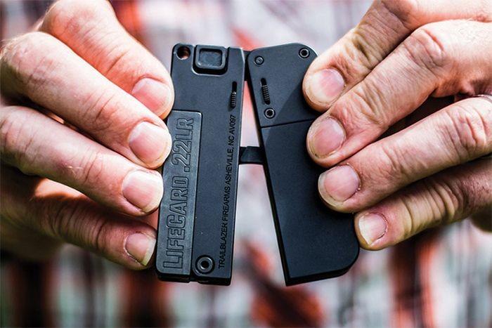 LifeCard - один из самых крошечных в мире пистолетов (4 фото)