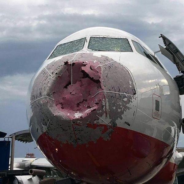 Аварийная посадка с нулевой видимостью из-за разбитых стекол кабины (3 фото)