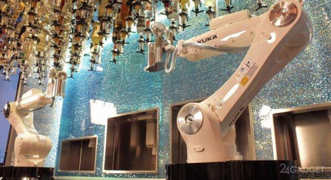 В Planet Hollywood сменили барменов (6 фото + видео)