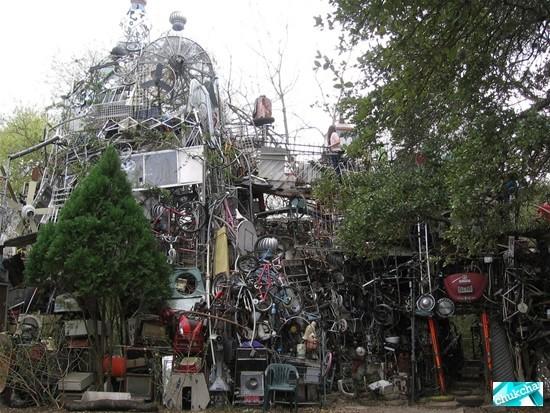 Мусорный храм в Техасе (10 фото)