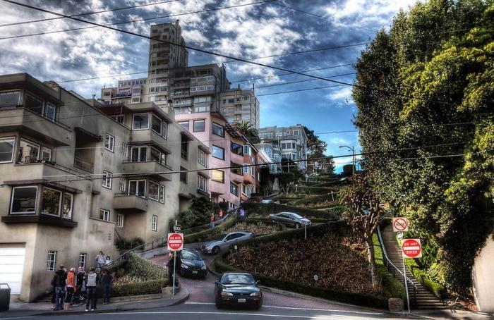 Как выглядит самая кривая улица в мире (16 фото)