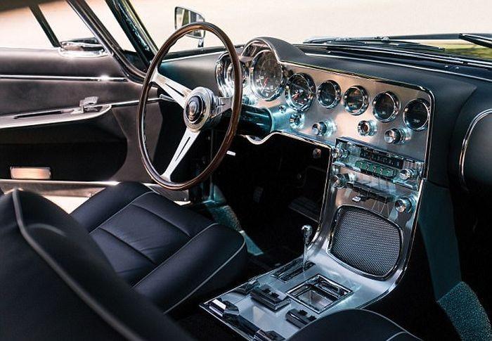 Винтажный автомобиль Carrozzeria Ghia продадут за 390 000 долларов (7 фото)