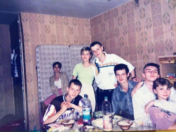 Фотографии противоречивого времени в истории стран бывшего СССР (32 фото)