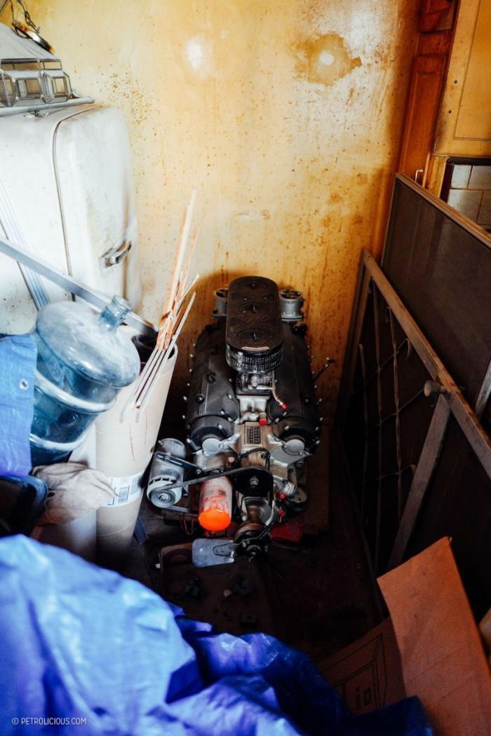 Ferrari, которую больше 30 лет прятали в квартире (19 фото)