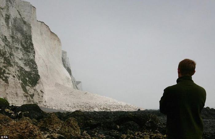 Огромный обвал в Англии (11 фото)