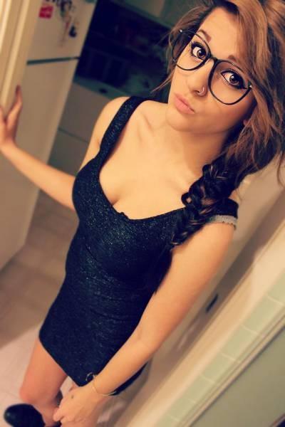 Симпатяжки в очках (50 фото)
