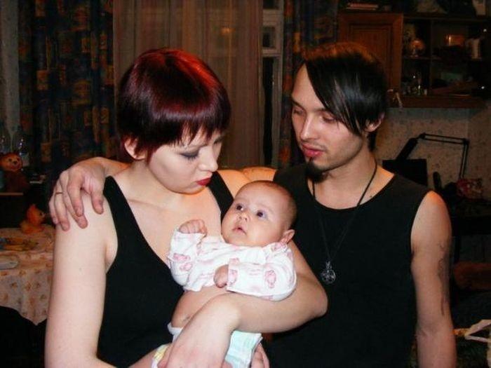 Жуткоглазая семья (4 фото)